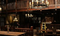 Warcraft-Film: Bildmaterial zu dem Gasthaus aus Goldhain